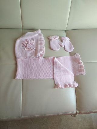 Conjunto de bufanda,gorro y guantes Mayoral.