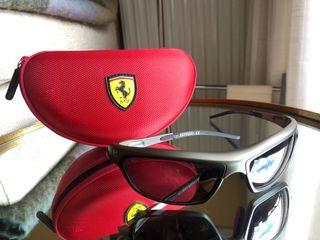 Ferrari Gafas de Sol Modelo 766549E con Estuche