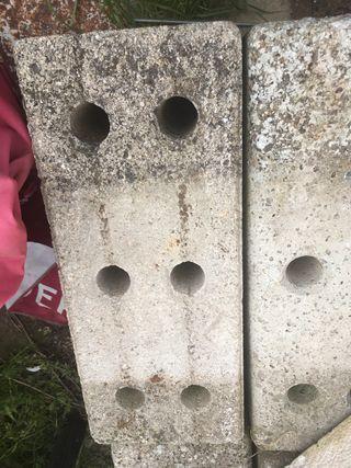 Piedras de sujetar las vallas de obra