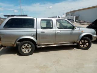 NISSAN PICK-UP 2.5