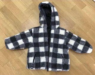 Chaqueta Boboli,chaqueta Zara, jersey gorro niño.