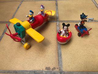 Taller y casa de Mikey Mouse, vehículos y muñecos!