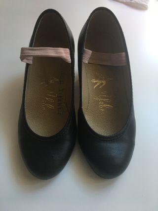Zapato baile flamenca num 25