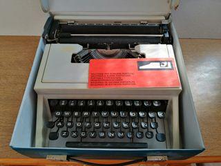 Maquina de escribir H.Olivetti DORA