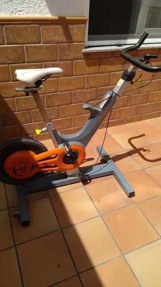 Bicicleta Spinning KEISER