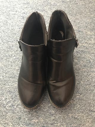 Black low cut boots Size 6