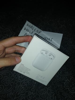 BRAND NEW SEALED - APPLE AIRPODS