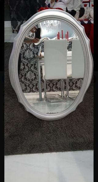 espejo decorativo plateado