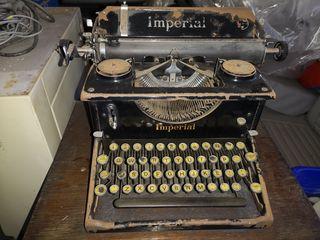 Antigüa máquina de escribir Imperial