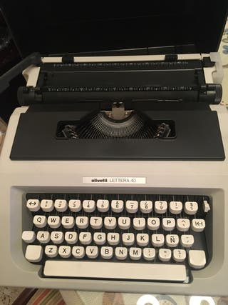 Maquina escribir Olivetti Lettera 40