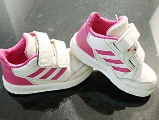 zapatillas deportivas Adidas, t. 23