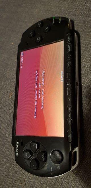 PSP 3000 con tarjeta 4gb + juegos