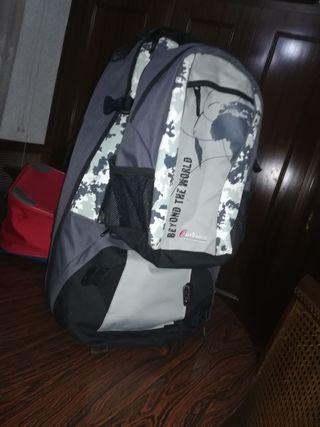 vendo mochila de montaña