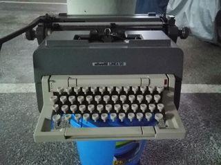 máquina de escribir Línea 98