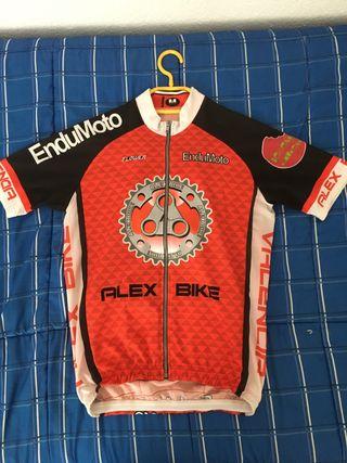 Maillot y culotte ciclismo bici ropa equipacion