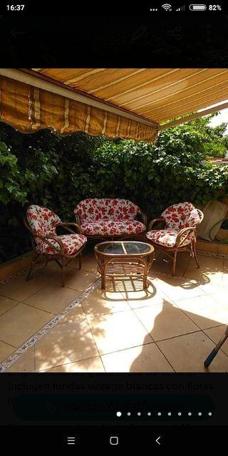 Conjunto de sofás de jardín y mesa cojines vintage