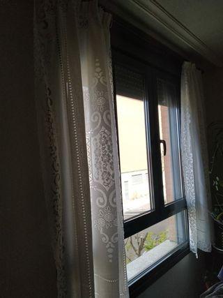 cortina más barra de madera y soportes