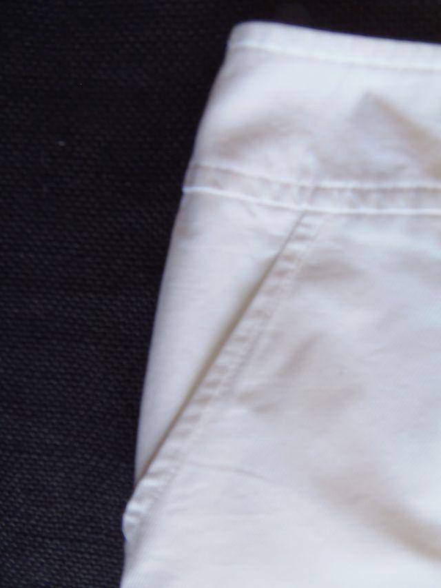 U adolfo dominguez. falda blanca
