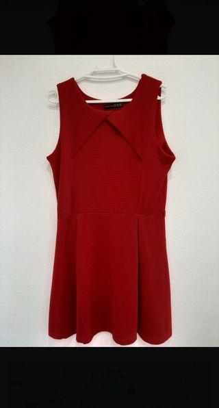 Elegante vestido rojo / granate