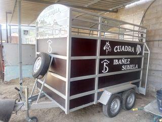 remolque caballos banco