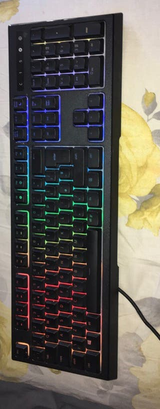 Keyboard - Razer ornata chroma wired keyboard
