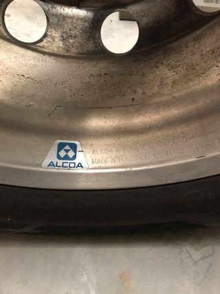 Neumáticos con llanta aluminio ALCOA camion