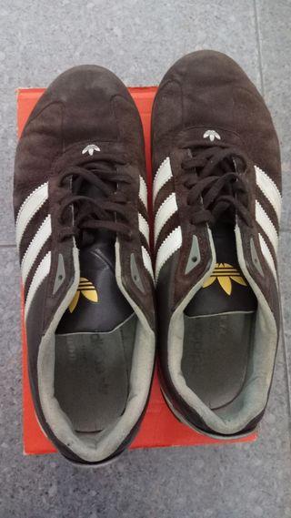 Zapatillas deportivas Adidas goodyear, talla 43 1/