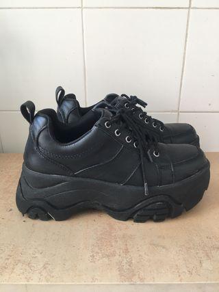 OFERTA!! Zapatillas plataforma negras