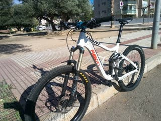 Bicicleta de descenso GIANT REIGN