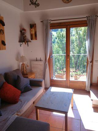 Apartamento alquiler turistico rural en Burg Pirineo Lleida precio x noche y apartamento no por persona capacidad 2-6 personas SE ADMITEN MASCOTAS (sin cargo)