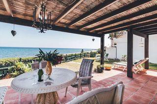 Hermosa casa en primera línea de playa