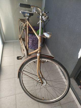 bicicleta clásica de paseo holandesa GAZELLE