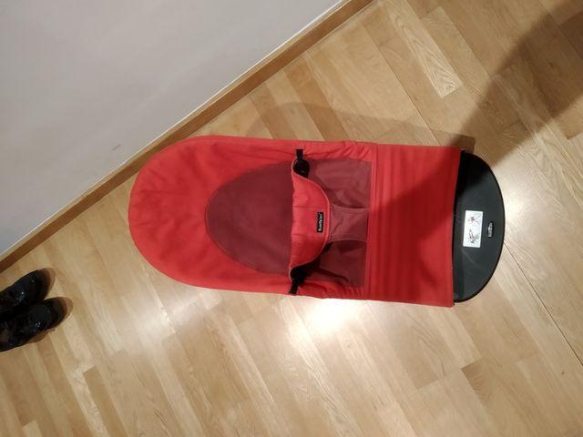 Hamaca Babyjorn Bouncer Balance soft color rojo