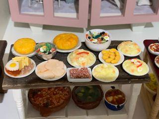 Comida variada para casa de muñecas escala 1:12