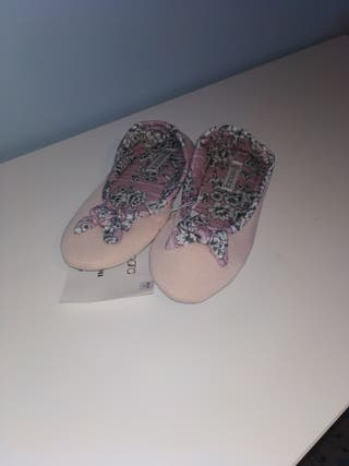 zapatillas de casa para la mujer