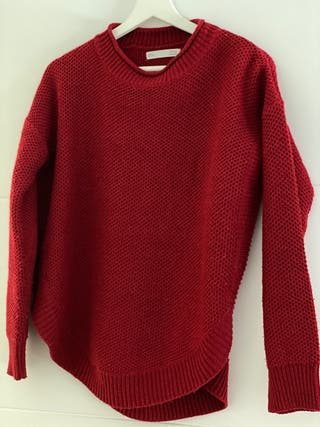 Suéter color rojo