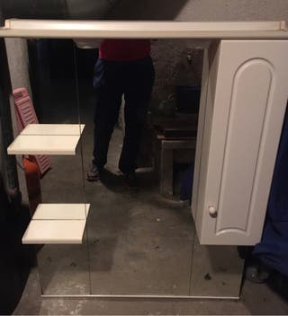 Mueble de baño lacado 1,07 x 80. IMPECABLE