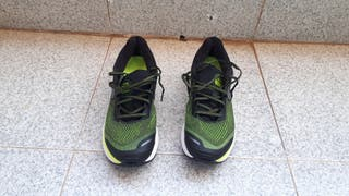 Zapatillas para correr de segunda mano en Valencia en WALLAPOP