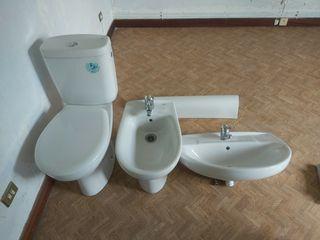 taza de baño ,videe, lavabo y grifos y ducha ROCA