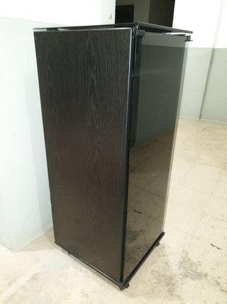 Mueble Hifi , para equipos de hasta 36 cm ancho