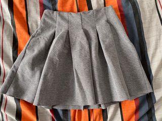 Minifalda nueva BERSHKA