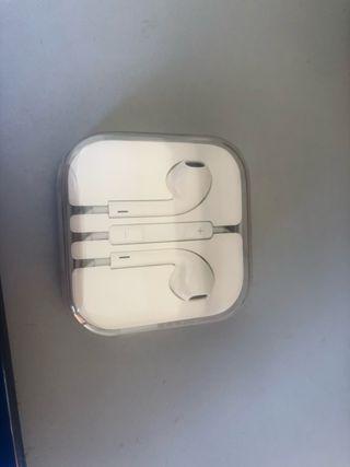 Auriculares Apple precintados