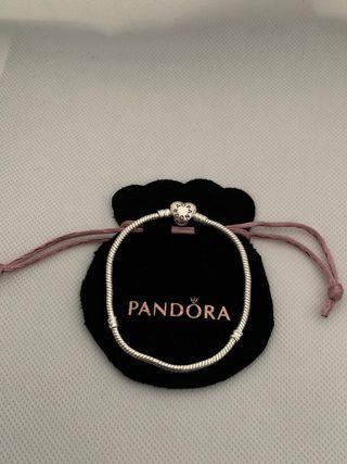 Pandora Heart Clasp snake bracelet 19cm