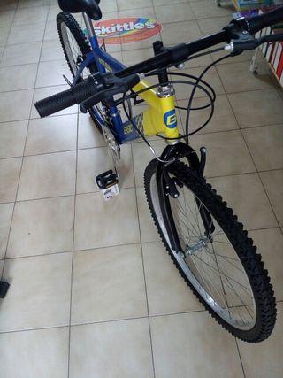 BTT Bike basic bicicleta como nueva