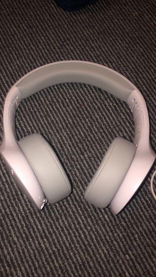 Motorola Wireless/Bluetooth headphones