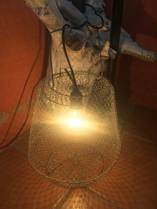 Antigua lámpara con nasa de pesca #yomequedoencasa