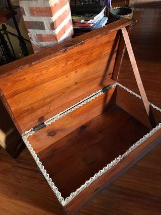 Baúl cajón antiguo de madera