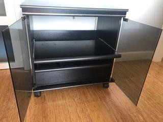 Mesa de TV con puertas Cristal
