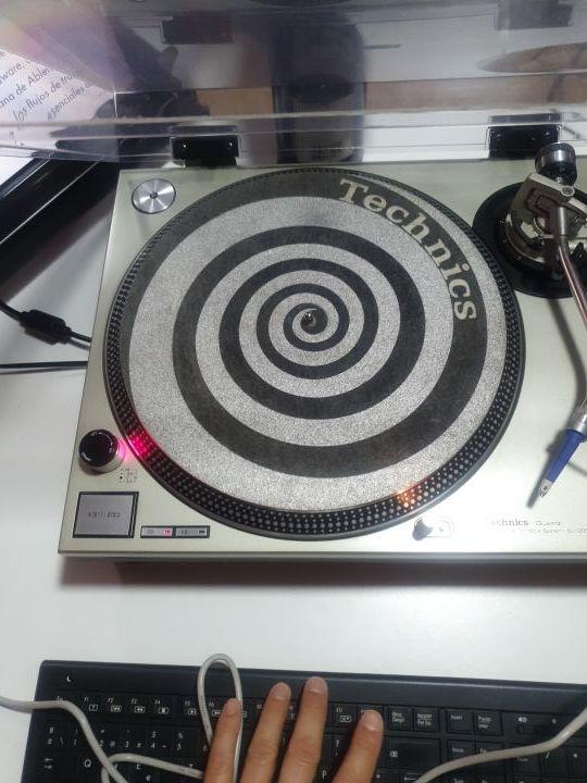 EQUIPO COMPLETO DJ