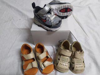 lote zapatillas Nike y 1°pasos crio's n°18